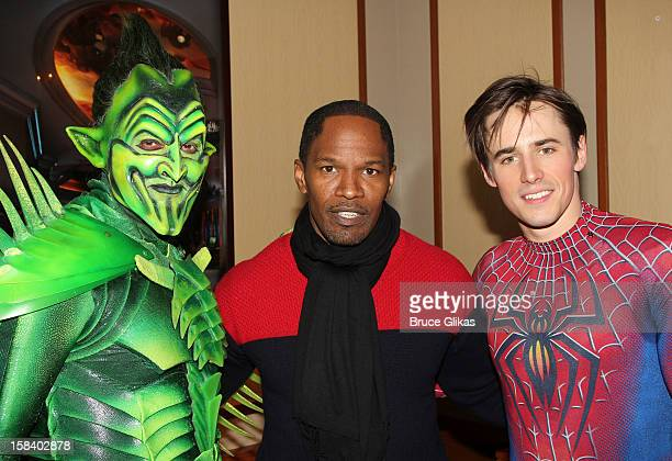Robert Cuccioli as 'The Green Goblin Jamie Foxx and Reeve Carney as SpiderMan pose backstage at the hit musical SpiderMan Turn Off The Dark on...