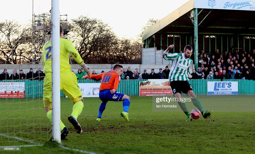 Robert Dale (R) of Blyth Spartans scores the first goal during the FA Cup third round match between Blyth Spartans and Birmingham City at Croft Park on January 03, 2015 in Blyth, England.
