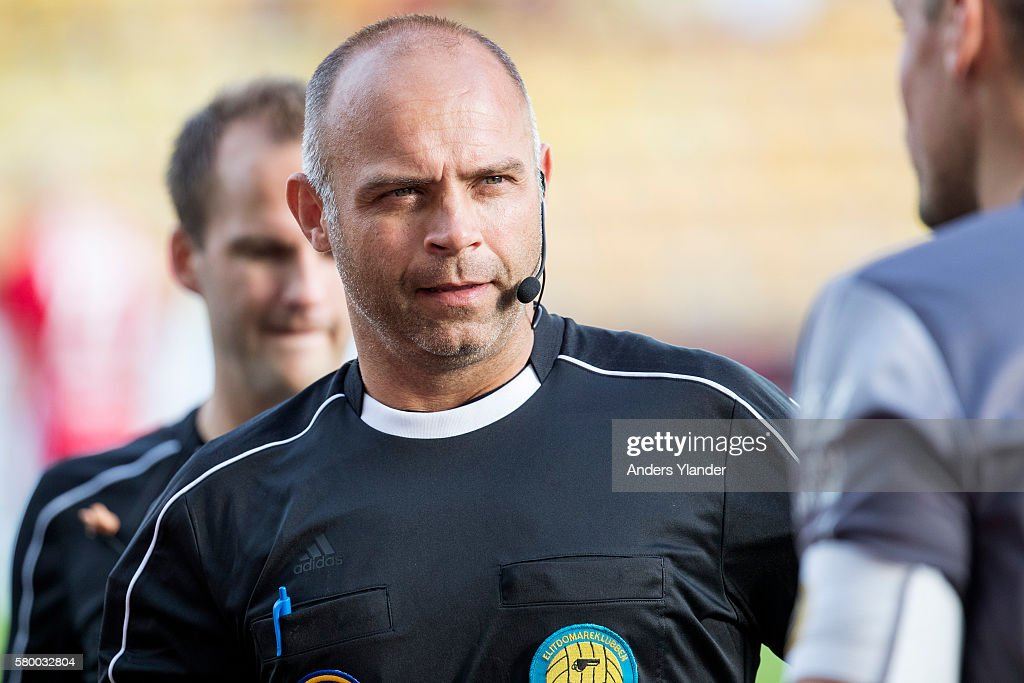 Robert Daradic, referee in action during the Allsvenskan match between IF Elfsborg and Ostersunds FK at Boras Arena on July 25, 2016 in Boras, Sweden.