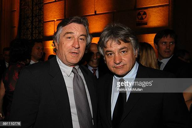 Robert De Niro and Brian McNally attend Vanity Fair hosts their Tribeca Film Festival dinner at The State Supreme Courthouse on April 20 2005 in New...