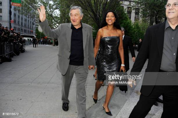 Robert De Niro and Grace Hightower attend VANITY FAIR TRIBECA FILM FESTIVAL Opening Night Dinner Hosted by ROBERT DE NIRO GRAYDON CARTER and RONALD...