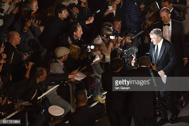 Robert De Niro attends the 'Hands Of Stone' premiere during the 69th annual Cannes Film Festival at the Palais des Festivals on May 16 2016 in Cannes...