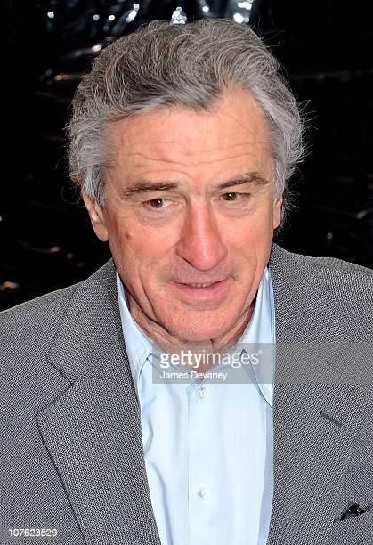 Robert De Niro attends the World Premiere of 'Little Fockers' at the Ziegfeld Theatre on December 15 2010 in New York City
