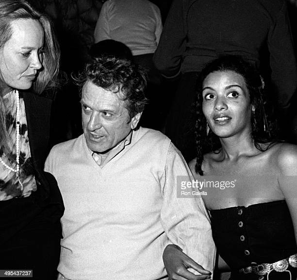 Robert De Niro Sr. And Diahnne Abbott attend Elaine's Restaurant on November 13, 1980 at Elaine's Restaurant in New York City.