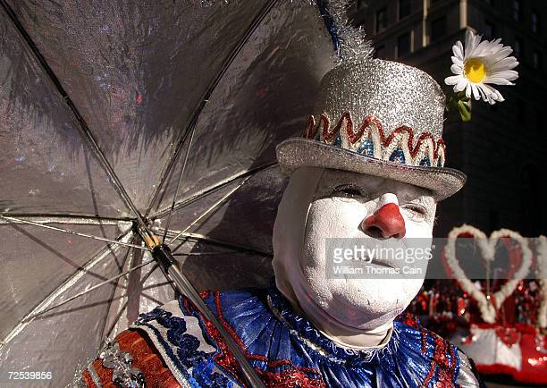Robert Delany of Philadelphia participates in the Philadelphia Mummers Parade dressed as a clown January 1 2005 in Philadelphia Pennsylvania The...