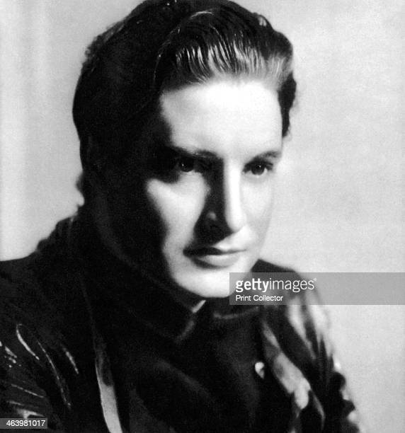Robert Donat English actor 19341935 Born Friedrich Robert Donath Robert Donat made his film debut in 1932 He is best remembered for his performances...