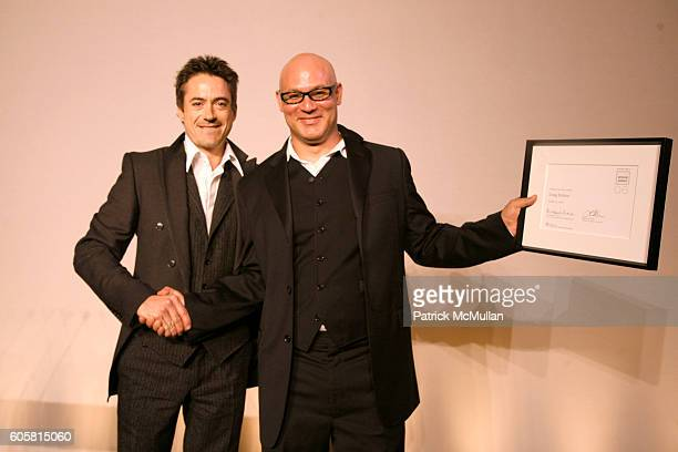 Robert Downey Jr and Craig Robins attend The 2006 National Design Awards at The Smithsonian Institution's CooperHewitt on October 18 2006 in New York...