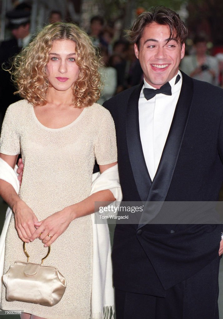 Robert Downey Jr. and Sarah Jessica Parker attend the London premiere of 'L.A. Story' on May 10, 1991 in London, Great Britain.