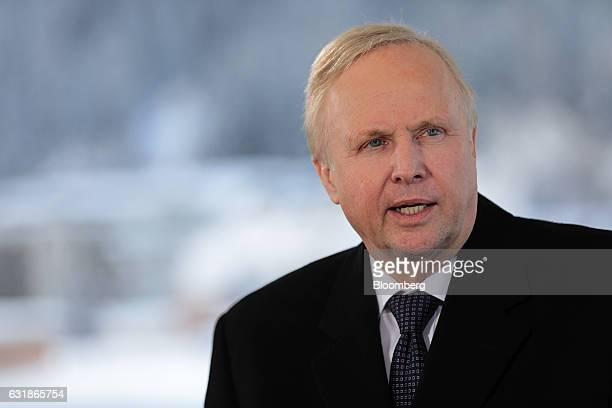 Robert Dudley chief executive officer of BP Plc speaks during a Bloomberg Television interview at the World Economic Forum in Davos Switzerland on...