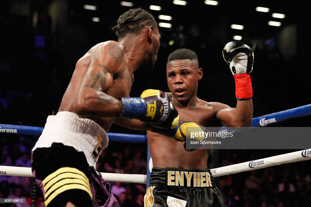 Robert Easter Jr defeated Javi...
