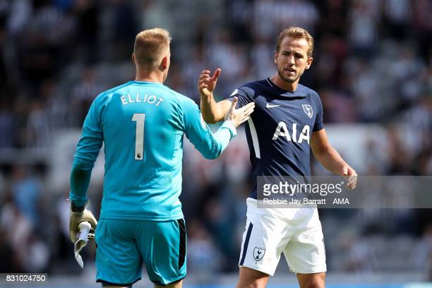 Robert Elliot of Newcastle United and Harry Kane of Tottenham Hotspur at full time during the Premier League match between Newcastle United and...