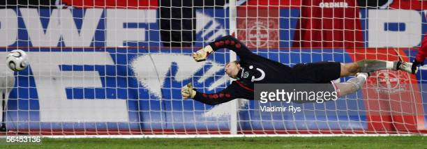 Robert Enke of Hanover in action during the Bundesliga match between Bayer Leverkusen and Hanover 96 at the BayArena on December 17 2005 in...