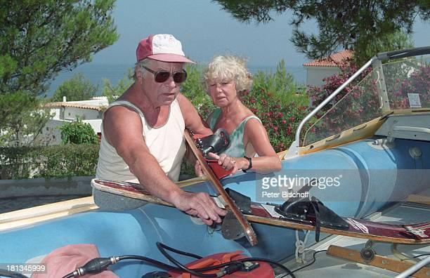 Robert Freitag Ehefrau Maria Sebaldt Homestory Mallorca Spanien Boot Motorboot Brille Sonnenbrille Mütze Cap BaseballCap Ski Wasserski Ehemann...