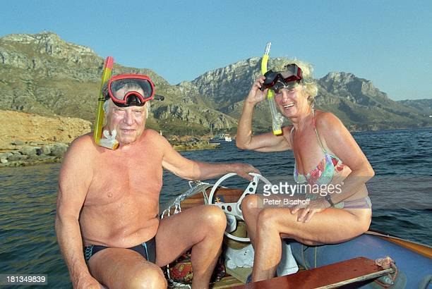 Robert Freitag Ehefrau Maria Sebaldt Mallorca Spanien Boot Motorboot Wasser Brille Taucherbrille Schnorchel Panorama Felsen Bikini BadeHose Ehemann...