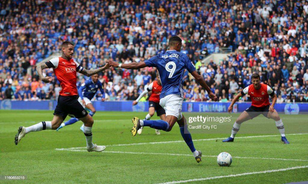 Cardiff City v Luton Town - Sky Bet Championship : News Photo