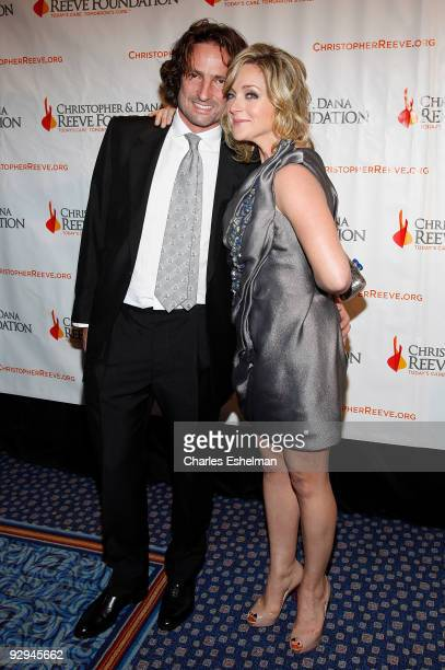 "Robert Godley and actress Jane Krakowski attends the Christopher & Dana Reeve Foundation's ""A Magical Evening"" Gala at the Marriot Marquis on..."
