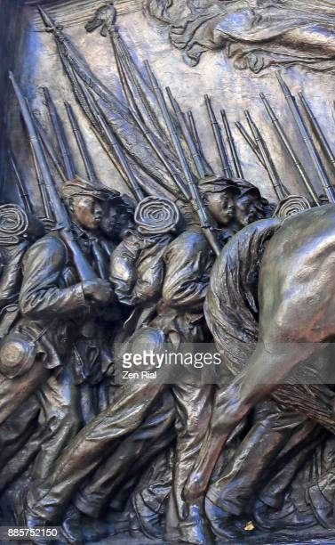 robert gould shaw and the massachusetts fifty fourth regiment memorial in boston - infantería fotografías e imágenes de stock