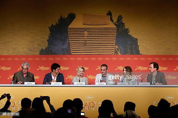 Robert Gray producer Charles Gillibert actress Kristen Stewart director Olivier Assayas actress Sigrid Bouaziz and Lars Eidinger attend the 'Personal...