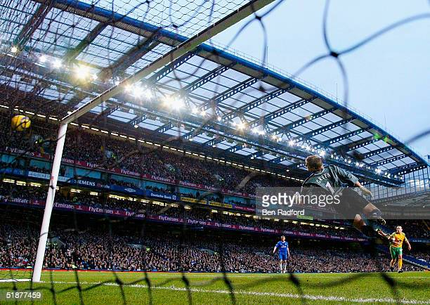 Robert Green of Norwich dives to his left as he attempts to save Frank Lampards opening goal during the Barclays Premiership match between Chelsea...