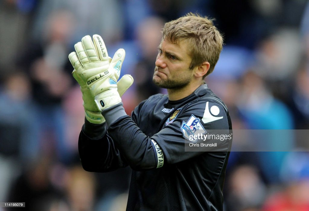 Robert Green of West Ham United acknowledges the fans at the end of the Barclays Premier League match between Wigan Athletic and West Ham United at the DW Stadium on May 15, 2011 in Wigan, England.