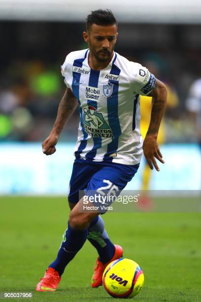 Robert Herrera of Pachuca drives the ball during the second round match between America and Pachuca as part of the Torneo Clausura 2018 Liga MX at...