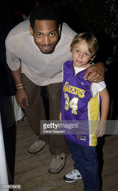 Robert Horry Laker fan Jack pose for photographers at the Los Angeles Lakers victory celebration at Ian Schrager's Ultra Chic Mondrian Hotel