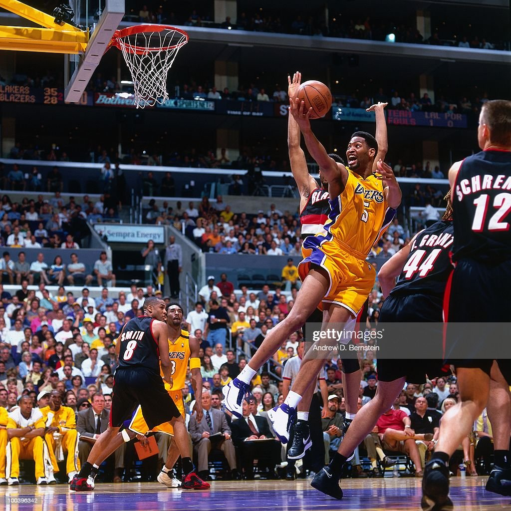 Robert Horry #5 of the Los Angeles Lakers shoots a layup against the Portland Trail Blazers in Game One of the Western Conference Finals during the 2000 NBA Playoffs at the Staples Center on May 20, 2000 in Los Angeles, California. The Los Angeles Lakers defeated The Portland Trail Blazers 109-94.