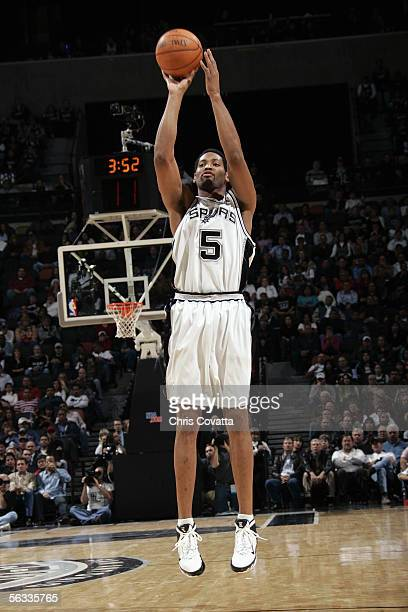 Robert Horry of the San Antonio Spurs shoots a layup during the game with the Houston Rockets on November 17 2005 at the SBC Center in San Antonio...