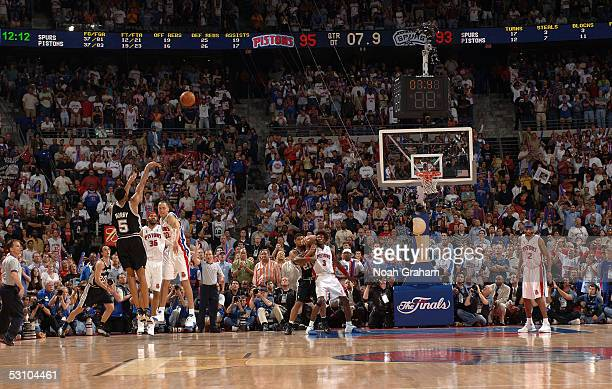 Robert Horry of the San Antonio Spurs shoots and makes a game-winning 3-point shot to put the Spurs up 96-95 with 7.6 seconds left in overtime...