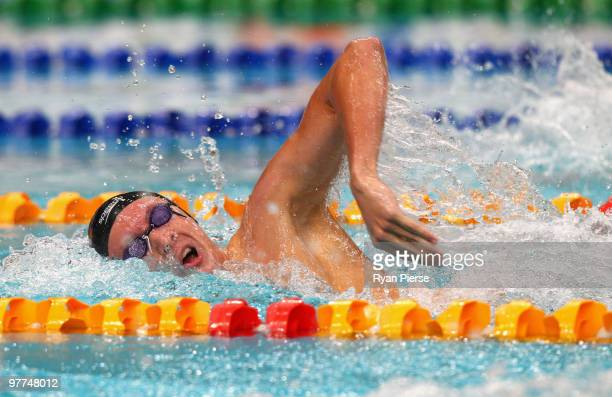 Robert Hurley of Australia in action during the Men's 400m Freestyle Final during day one of the 2010 Australian Swimming Championships at Sydney...