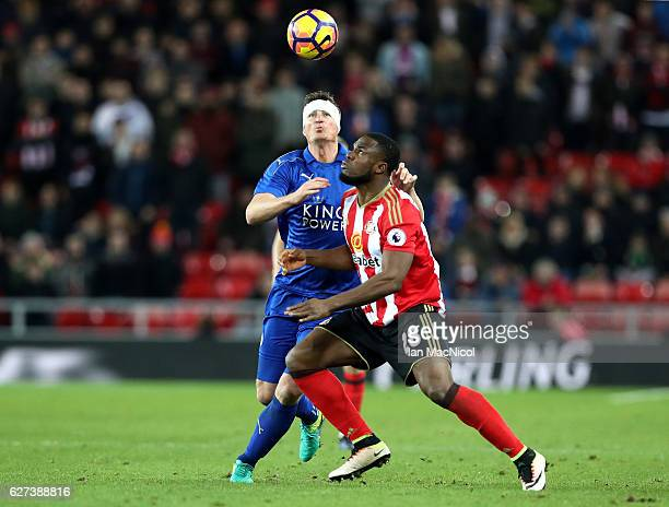 Robert Huth of Leicester City battles with Victor Anichebe of Sunderland during the Premier League match between Sunderland and Leicester City at...