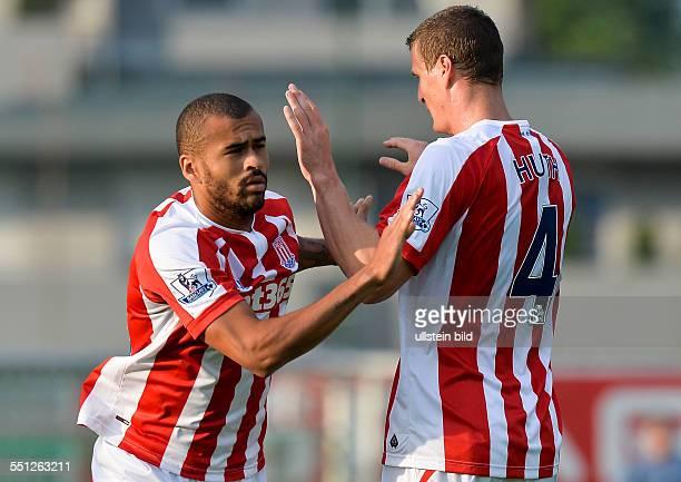 Robert Huth wird fuer Dionatan Teixeira ausgewechselt waehrend dem Vorbereitungsspiel Schalke 04 gegen Stoke City am 29 Juli 2014 in Kufstein...
