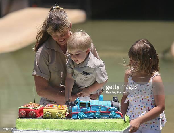 Robert Irwin, Bindi Irwin and mum Terri Irwin celebrate Bob's third birthday at Australia Zoo, Beerwah on December 1, 2006 near Brisbane, Australia....