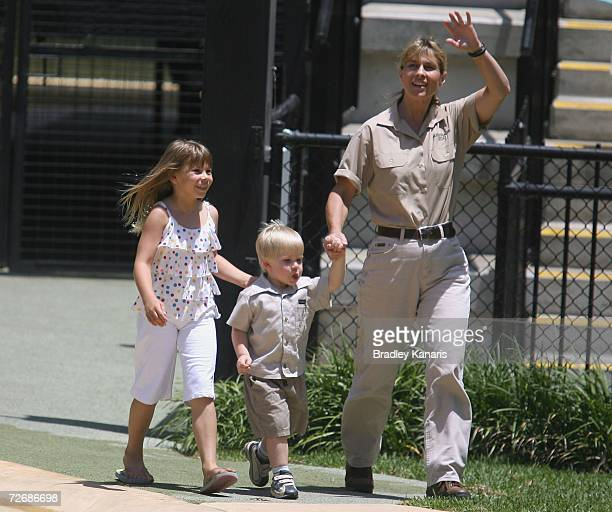 Robert Irwinsister Bindi and mum Terri Irwin celebrate Bob's third birthday at Australia Zoo Beerwah on December 1 2006 near Brisbane Australia Bob...