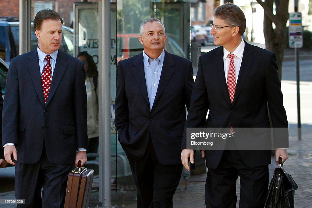 Robert Kaluza, a well site manager for BP Plc during the 2010 explosion on board the Deepwater Horizon oil rig, center, arrives at federal court with his attorneys Shaun Clarke, left, and David Gerger, right, in New Orleans, Louisiana, U.S., on Wednesday, Nov. 28, 2012. Kaluza, who supervised testing on the Macondo oil well, and another site manager Donald Vidrine, were charged Nov. 15 with involuntary manslaughter, seaman's manslaughter and Clean Water Act Violations. The U.S. alleges that Kaluza and Vidrine ignored multiple indications that the well wasn't secure before the explosion that killed 11 aboard the drilling rig. Photographer: Derick E. Hingle/Bloomberg via Getty Images