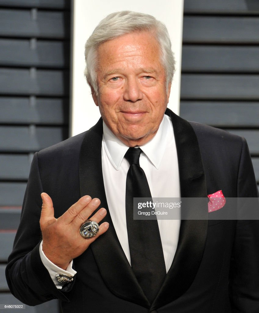 Robert Kraft arrives at the 2017 Vanity Fair Oscar Party Hosted By Graydon Carter at Wallis Annenberg Center for the Performing Arts on February 26, 2017 in Beverly Hills, California.