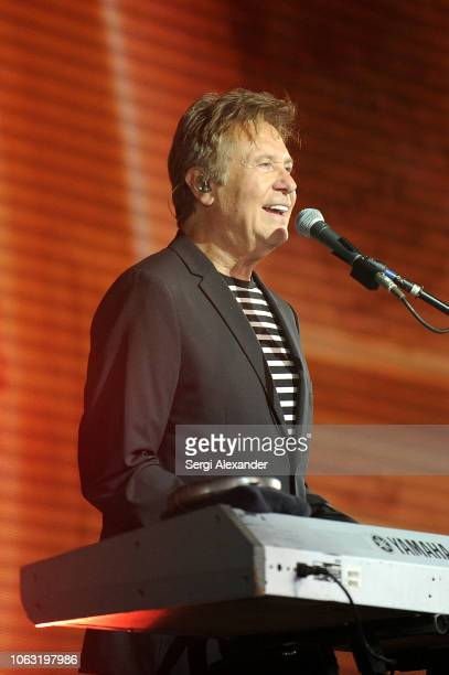 Robert Lamm of the classic rock band Chicago performs onstage at the 24th Annual InterContinental Miami MakeAWish® Ball at InterContinental hotel on...