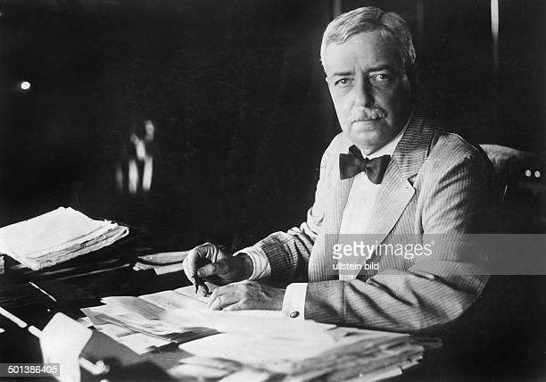 Robert Lansing USAmerican politician Secretary of State 19151920 Portrait 1910s