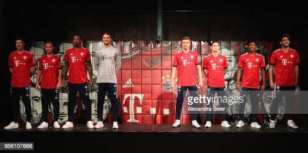 Robert Lewandowki, Joshua Kimmich, Jerome Boateng, injured goalkeeper Manuel Neuer, Thomas Mueller, James Rodriguez, David Alaba and Javi Martinez of...