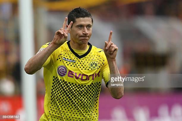 Robert Lewandowski Borussia Dortmund Fussball Saison 2011 / 12 1 Bundesliga Borussia Dortmund SC Freiburg 40 Deutscher Fussball Meister 2011 / 2012...