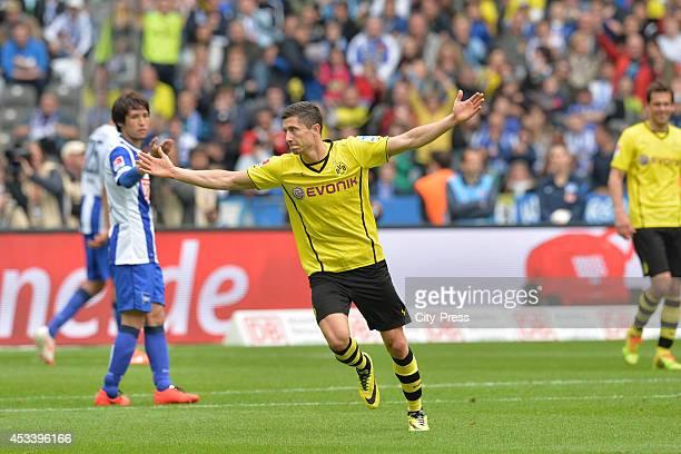 Robert Lewandowski celebrates his goal during the Bundesliga game between Hertha BSC and Borussia Dortmund on may 10, 2014 in Berlin, Germany.