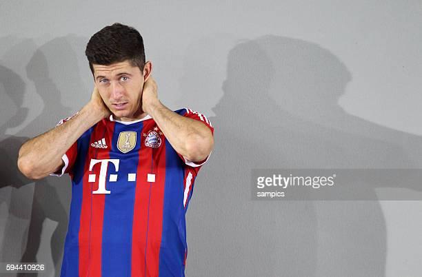 Robert Lewandowski FC Bayern München FC Bayern München Saison 2014 / 2015 Mannschaftsfototermin an der Säbenerstrasse