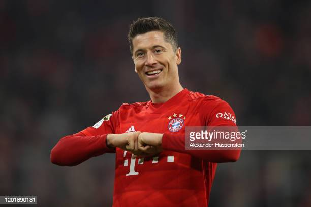 Robert Lewandowski of Bayern Muenchen celebrates during the Bundesliga match between FC Bayern Muenchen and FC Schalke 04 at Allianz Arena on January...