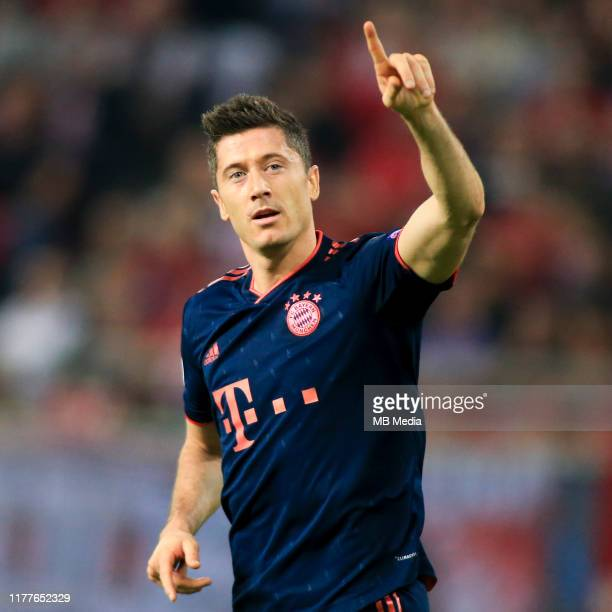 Robert Lewandowski of Bayern Muenchen celebrates his goal during the UEFA Champions League group B match between Olympiacos FC and Bayern Muenchen at...