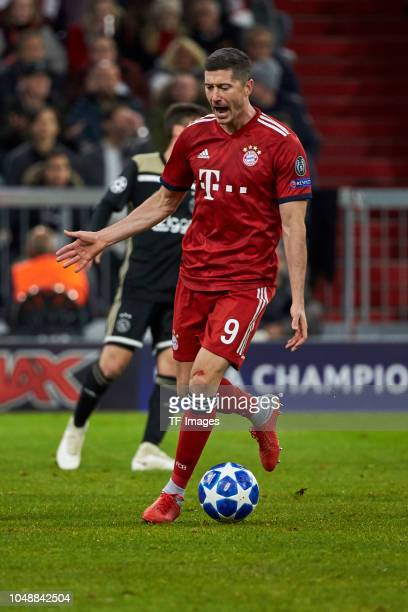 Robert Lewandowski of Bayern Muenchen controls the ball during the Group A match of the UEFA Champions League between Borussia Dortmund and AS Monaco...