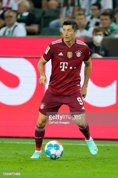 Robert Lewandowski of Bayern Muenchen controls the ball during the Bundesliga match between Borussia Moenchengladbach and FC Bayern Muenchen at...