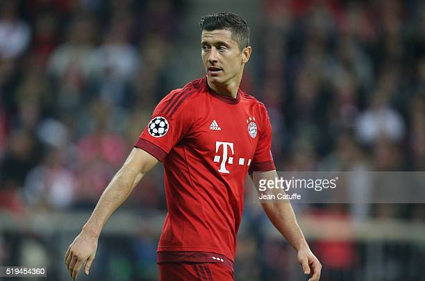 Robert Lewandowski of Bayern Muenchen in action during the UEFA Champions League quarter final first leg match between FC Bayern Muenchen and SL...