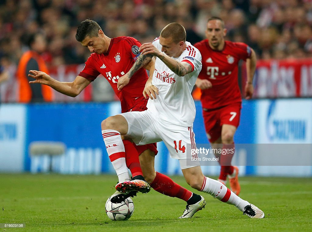 FC Bayern Muenchen  v  SL Benfica - UEFA Champions League Quarter Final: First Leg : News Photo