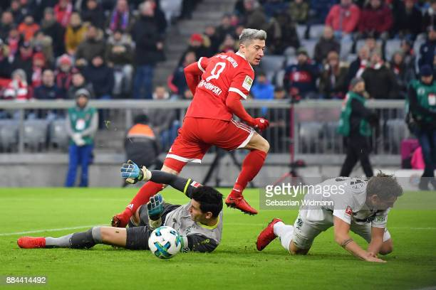 Robert Lewandowski of Bayern Muenchen misses a chance during the Bundesliga match between FC Bayern Muenchen and Hannover 96 at Allianz Arena on...