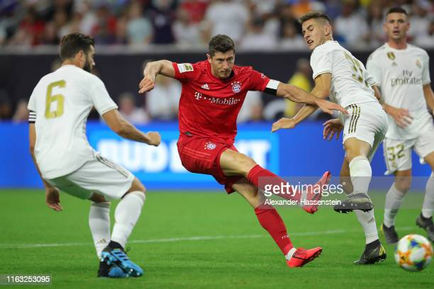 Robert Lewandowski of Bayern Muenchen scores the 2nd team goal during the International Champions Cup match between Bayern Muenchen and Real Madrid...